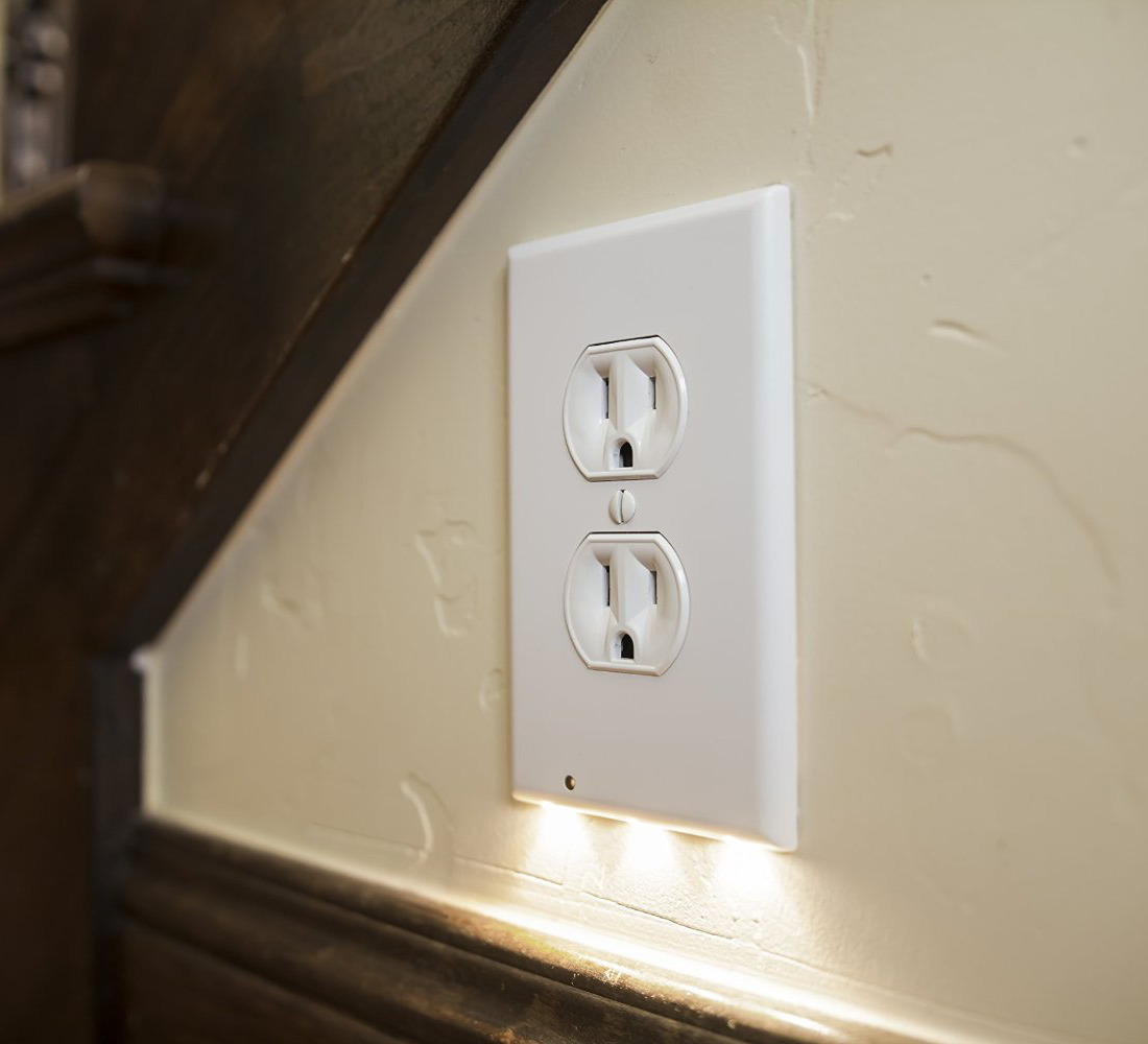 Electrical Outlet Cover With Guide Light Stuff You